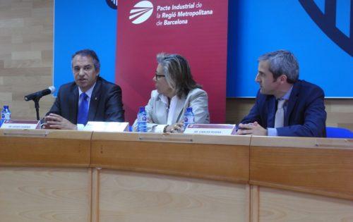De izq. a dcha.: Xavier Casares, presidente del Consejo Catalán de Formación Profesional; Mª Rosa Fiol, presidenta de la Comisión de Formación del Pacto Industrial, y Carles Rivera, coordinador gerente del Pacto Industrial