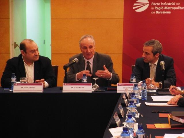 D'esq. a dta.: Carles Ruiz, president del Comitè Executiu; Joan Majó, exministre d'Indústria, i Carles Rivera, coordinador gerent