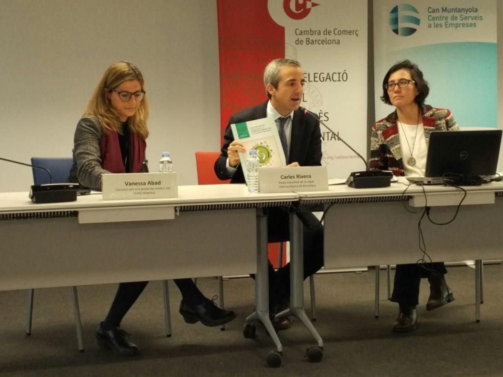 D'esq. a dta.: Vanessa Abad, Carles Rivera i Verónica Kuchinow