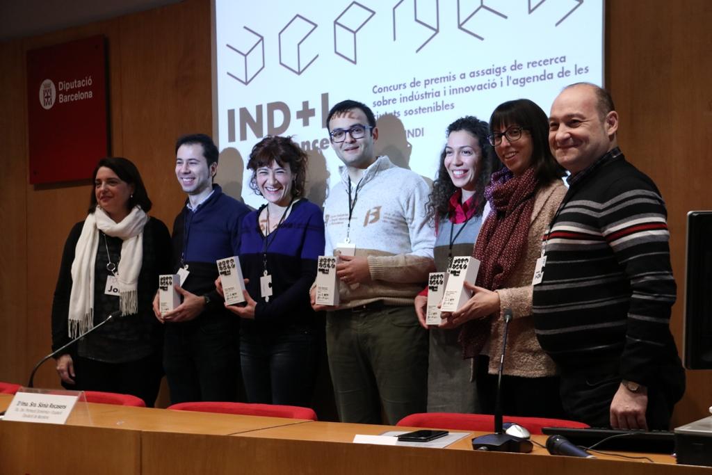 D'esq. a dta.: Sònia Recasens, Carlos Cámara, Núria Vallès, Jordi Rosell, Liliana Fonseca, Elisenda Jové i Carles Ruiz.