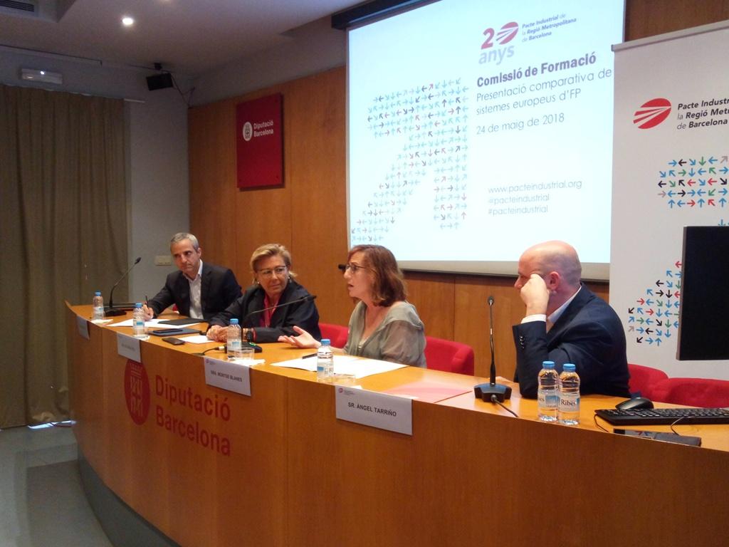 D'esq. a dta.: Carles Rivera, M. Rosa Fiol, Montse Blanes i Àngel Tarriño