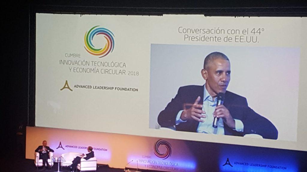 L'expresident dels Estats Units d'Amèrica Barack Obama durant un moment de la seva intervenció