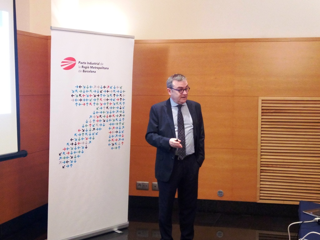 Joan Miquel Hernández, Head of the Business Development Area of the Generalitat of Catalunya, presenting the document on the labour impact of the industry 4.0.